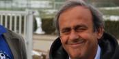 Wenn das siegesgewisse Lächeln nicht mehr ganz so gut funktioniert... aber Michel Platini hat ja noch seine Berater. Und die sind gut. Foto: Eurojournalist(e)