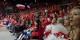Die Farben der Fangruppen der SIG und der Bayern sind die gleichen - rot-weiß. Und weiterkommen wollen beide auch in der Champions League. Foto: Michael Magercord