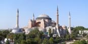 C'est ici que l'attentat sur les touristes allemands avait lieu - devant la Hagia Sofia, l'un des monuments les plus visités d'Istanbul. Foto: Milos Radevic / Wikimedia Commons / CC-BY-SA 3.0