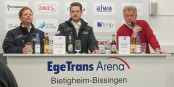 Musste am Sonntag nach der 2:4-Niederlage in Bietigheim die vierte Niederlage in Folge in Worte fassen: EHC-Coach Leos Sulak (rechts). Foto: Bicker