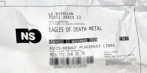 """Mit diesem Ticket konnte man am Dienstag den """"zweiten Teil"""" des Konzerts der """"Eagles of Death Metal"""" in Paris anschauen. Für viele kaum erträglich. Foto: Jebulon / Wikimedia Commons / CC0"""