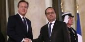 """A Paris, David Cameron n'a pas trouvé le soutien qu'il espérait. La menace du """"Brexit"""" n'impressionne plus grand monde. Foto: (c) Présidence de la République / L. Blevennec"""