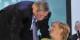 Angela Merkel wird für die Unterstützung durch Jean-Claude Juncker dankbar sein - denn ansonsten steht sie ziemlich alleine da. Foto: European People's Party / Wikimedia Commons / CC-BY 2.0