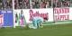 Oops, le gardien du 1. FCK, Marius Müller, laisse glisser le ballon entre les jambes - 2-0 pour le SC Freiburg. Foto: Eurojournalist(e)