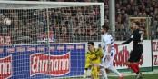 58e minute au Schwarzwaldstadion - Mike Frantz marque le but de la victoire qui propulse le SC Freiburg à la tête du classement. Foto: Eurojournalist(e)