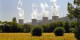 """Le démantèlement de ces """"beautés"""" (ici la centrale nucléaire de Cruas) coûte une fortune. Mais c'est rien par rapport au coût de stockage des déchets nucléaires pendant 25000 ans. Foto: Fred-niro / Wikimedia Commons / CC-BY-SA 3.0"""