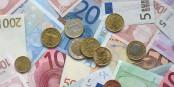 Endlich! Unsere Abgeordneten bekommen ab Juli ungefähr 300 € mehr pro Monat. Das wurde aber auch Zeit... Foto: Avij / Wikimedia Commons / PD