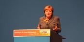 Angela Merkel explique, argumente, convainc - et n'est pas suivie. Tragique. Foto: Eurojournalist(e)