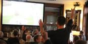 A Freiburg, les bars et restaurants proposant la retransmissions en direct des matchs du SC Freiburg, affichent complet... Foto: EJ