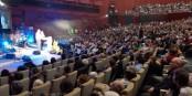 Halleluja, der ehemalige Terroriste Stephen Lungu beim Versuch der Rettung des Abendlands in Strassburg. Ob's geklappt hat? Foto: Michael Magercord