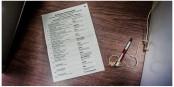 Wieviel Unheil man mit so einem Stück Papier anrichten kann, zeigten gestern die Wähler, vor allem in Sachsen-Anhalt. Foto: Arne Bicker