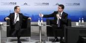 Manuel Valls führt inzwischen seine eigene Politik, wie hier in München (lks. Medvedev, rech. Valls). Foto: premier.gov.ru / Wikimedia Commons / CC-BY-SA 4.0int