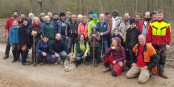 Gruppenbild mit Bäumen: Die Macher der erfolgreichen Pflanzaktion. Foto: Forstamt Freiburg