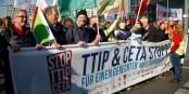 Les traités sur le libre échange ne sont vraiment appréciés par les Allemands. Foto: Mehr Demokratie / Wikimedia Commons / CC-BY-SA 2.0