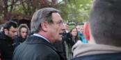 """Le Président de l'Eurométropole Strasbourg en dialogue avec """"Nuit debout"""". Qui manquait encore d'orientation. Foto: Eurojournalist(e)"""