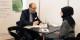 """Martin Burkhardt, Leiter Aus- und Weiterbildung bei Schaeffler, im Gespräch mit Seda Türker beim """"Unternehmens-Speeddating"""". Foto: IHK"""