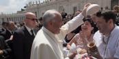Papst Franziskus wirft sein ganzes moralisches Gewicht in die Waagschale, um die muslimische und die christliche Welt zu versöhnen. Und Humor hat der Mann auch noch. Foto: Luciano Perlo / Wikimedia Commons / CC-BY-SA 4.0int