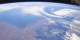 Vue d'en haut, l'Europe et l'Allemagne sont carrément belles. Mais plus on s'approche... Foto: NASA / Wikimedia Commons / PD