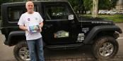 """Le Strasbourgeois Pierre-Michel Ott a produit un très joli livre sur la Jeep - """"Planète Jeep"""". Foto: Phil Bergdolt / Eurojournalist(e)"""