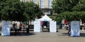 """Le stand de Jacques Schmitt et d'Unir l'Europe à Bordeaux où """"l'itinérant européen"""" a rencontré beaucoup de Britanniques. Foto: privée"""