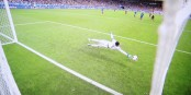 109. Minute im Stade de France - der Schuss von Eder schlägt im französischen Tor ein - Portugal wird Europameister 2016! Foto: ScS EJ