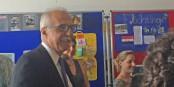 Le maire de Kehl Tony Vetrano a recompensé de petits artistes européens qui donnent un exemple pour le vivre ensemble. Foto: Eurojournalist(e)