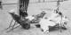 Es hat lange gedauert, bis sich Frauen bei uns am Strand frei bewegen konnten. Wem das nicht passt, der sollte woanders baden gehen. Foto: Bundesarchiv, Bild-146-1977-007-13A, Pahl, Georg / Wikimedia Commons / CC-BY-SA 3.0