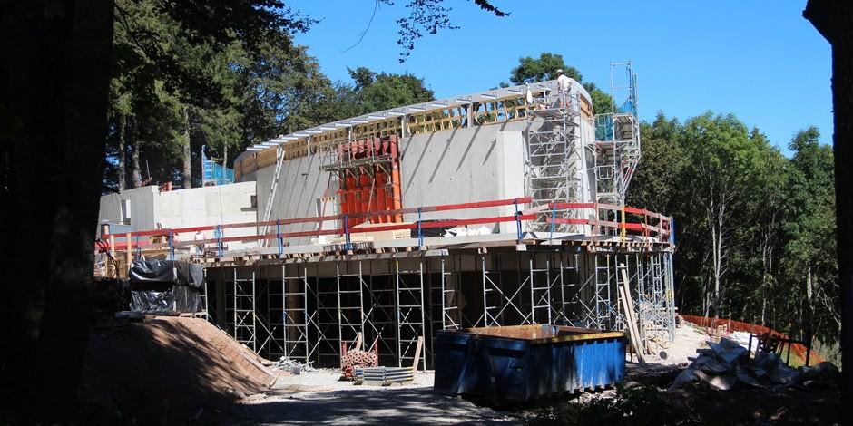 """Un """"Histoirial pour la paix"""" est en construction sur le Vieil Armand dans le Haut-Rhin. Impressionnant. Foto: Eurojournalist(e)"""