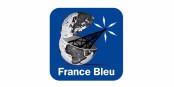 """Sous ce sigle, vous trouverez le Podcast de """"De l""""autre côté du Rhin"""" ! Foto: Radio France Bleu"""