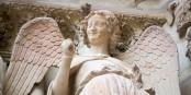 Da grinsen selbst die Engel - die Arbeitslosigkeit in Frankreich sinkt deutlich! Foto: Victor Grigas / Wikimedia Commons / CC-BY-SA 4.0int