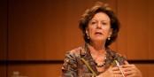 Chic - Neelie Kroes a fait du bénévolat pour un homme d'affaires richissime. Un engagement social des plus louables... Foto: Sebastiaan ter Burg, Utrecht, The Netherlands / Wikimedia Commons / CC-SA 2.0
