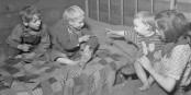 La pauvreté des enfants est encore aujourd'hui un sujet inquiétant en Allemagne. Inquiétant et honteux. Foto: U.S. National Archives and Records Administration / Wikimedia Commons / PD
