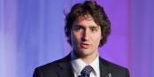 Le sourire de beau gosse de Justin Trudeau aura suffit pour que les responsables européens se mettent à genoux... Foto: A.k. fung / Wikipedia Anglais / Wikimedia Commons / PD