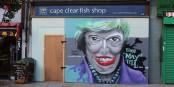 Wer dachte, dass es nach David Cameron nicht schlimmer werden könnte, sieht sich getäuscht. Theresa May ist noch schlimmer. Foto: Jwslubbock / Wikimedia Commons / CC-BY-SA 4.0int