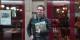 """Yannick Lefrançois avec le deuxième tome d'Anatole - """"Anatole et l'apprenti voleur"""". Foto: Eurojournalist(e)"""