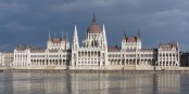 Im wunderschönen Parlament in Budapest kam Viktor Orban erneut nicht mit seinen Plänen durch. Foto: Candice / Wikimedia Commons / CC-BY-SA 3.0