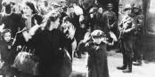 """""""Les propositions de l'AfD concernant les réfugiés font penser au Ghetto de Varsovie"""", et c'est une élue de l'AfD qui l'a dit. Avant de démissionner. Foto: Jürgen Stroop / United States Holocaust Museum / Wikimedia Commons / PD"""