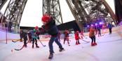 Kein kalter Traum: Auf dem Eiffelturm wird Eishockey gespielt. Foto: David Vollborth
