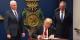 Böse weisse alte Männer machen böse Politik für alte, weisse Männer... Foto: Staff of the President of the United States Donald Trump / Wikimedia Commons / PD