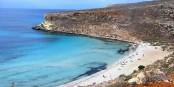 L'ïle de Lampedusa n'est une destination touristique que pour peu de gens... ceux qui y arrivent, sont des réfugiés. Foto: Hein56didden / Wikimedia Commons / CC-BY-SA 3.0