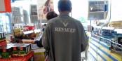 Bei Renault würden auch nicht die Vorstände, sondern die Arbeiter die Last eventueller Strafzahlungen ausbaden müssen... Foto: MOs810 / Wikimedia Commons / CC-BY-SA 3.0