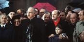 Le 22 décembre 1989 sous la Porte de Brandebourg - Helmut Kohl savoure le plus bel instant de sa carrière politique - l'unification allemande est acceptée par les Alliés. Foto: SSGT F. Lee Corkran / US Federal Government / Wikimedia Commons / PD