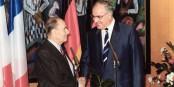 Deux qui s'entendaient contre toute attente - François Mitterrand et Helmut Kohl. Foto: Bundesarchiv B-145 Bild-F076604-0021 / Schaack Lothar / CC-BY-SA 3.0 / Wikimedia Commons