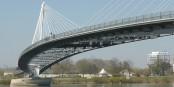 "Das also soll die Brücke ""Passerelle des Deux Rives Helmut Kohl"" sein. Na toll. Foto: Aisano / Wikimedia Commons / CC-BY-SA 3.0"