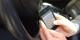 Kurz eine SMS beim Fahren schreiben? Kostet in Frankreich ab sofort 1500 € und 3 Punkte... Foto: Intel Free Press / Wikimedia Commons / CC-BY-SA 2.0
