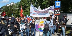 """Non aux nazis"" - le slogan dit tout... Foto: Felix Neumann/Zweierpasch"