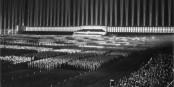 Le NSDAP avait aussi commencé petit avant d'arriver en 1936 au congrès de Nuremberg... Foto: Bundesarchiv, Bild 183-1982-1130-502 / Wikimedia Commons / CC-BY-SA 3.0