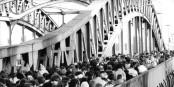 Aujourd'hui, les Allemands arrivent massivement en France. Mais le soir, ils repartiront... Foto: Bundesarchiv, Bild 183-1989-1118-018 / Roeske, Robert / Wikimedia Commons / CC-BY-SA 3.0
