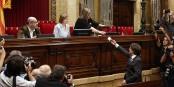 Lorsque le 27 octobre dernier, Carles Puigdemont votait en faveur de l'indépendance, il ne pensait pas ne pas pouvoir revenir au parlement de sa région. Foto: Jordi Bedmar Pascual / Generalitat de Catalunya / Wikimedia Commons / CC0