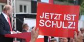 Malgré cette affiche, la carrière politique de Martin Schulz pourrait se terminer brusquement. Foto: Ziko van Dijk / Wikimedia Commons / CC-BY-SA 4.0int